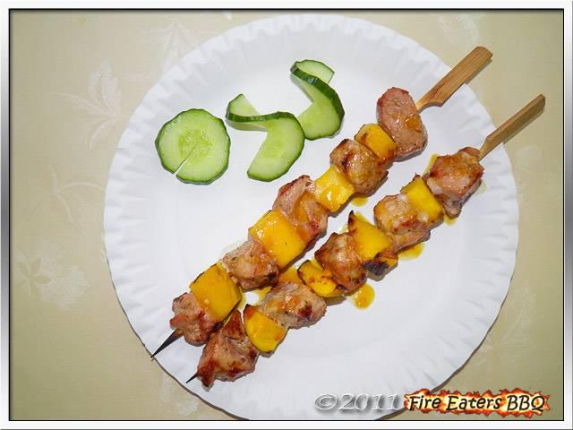 Bild - Tellerbild der fertigen Mango-Schweinefleisch-Spieße