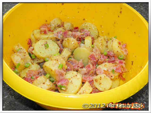 Warmer Kartoffel-Bacon-Salat mit Senfsauce - ideal für die Grillparty
