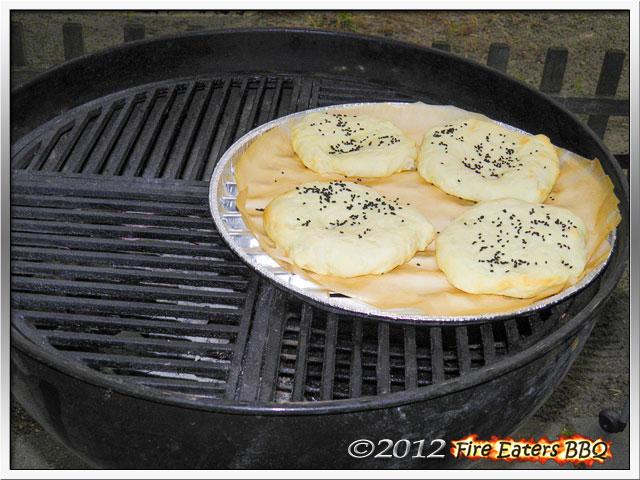 Foto - Fladenbrote im Grill gebacken