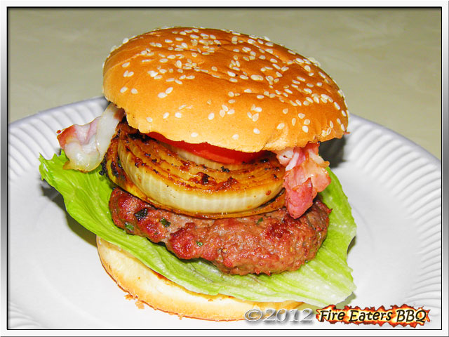 Foto - ein Whiskey-Burger, ideal für´s Wintergrillen