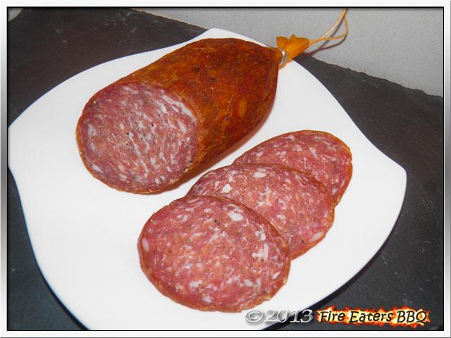 Foto - Rotwein-Salami im Anschnitt