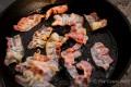 Huevos rancheros - Bacon anbraten