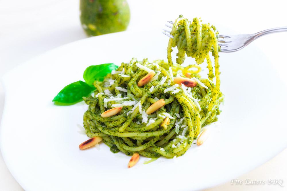 Basilikum Pesto – ein einfaches Grundrezept