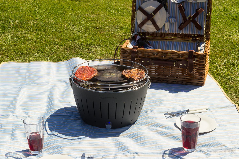 fire eaters bbq lotusgrill ein rauchfreier grill f r balkon und terrasse. Black Bedroom Furniture Sets. Home Design Ideas