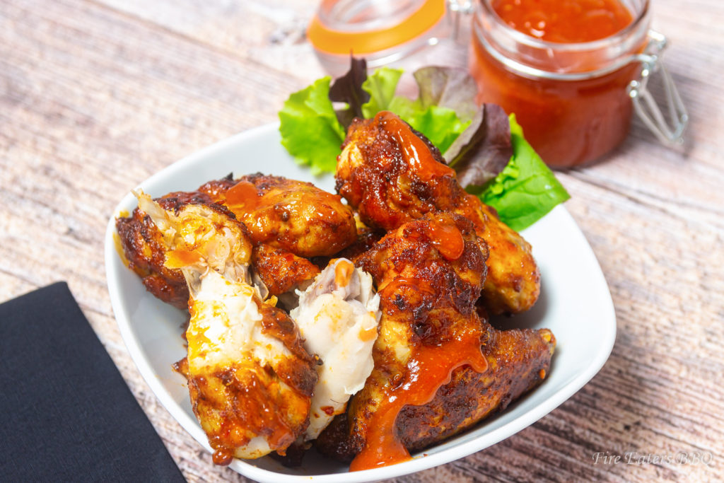 Foto - saftige Hot Chicken Wings mit Sauce