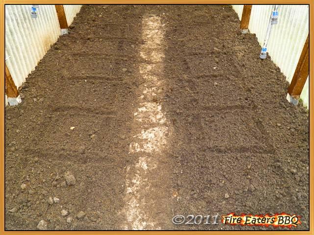 Bild - Das vorbereitete Gewächshaus für unsere Paprikapflanzen