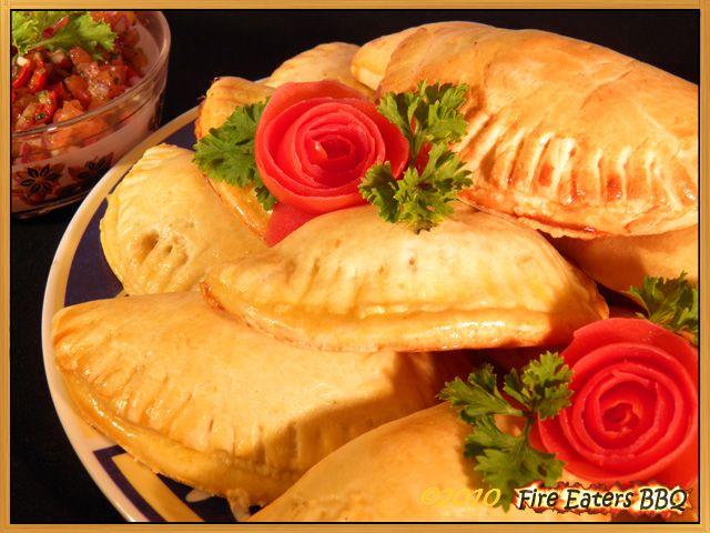 Empanadas mit Hackfleisch und klassischer Tex-Mex Salsa