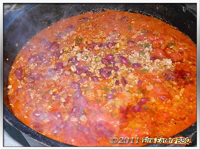 Bild - Ein Topf voll Chili con Carne