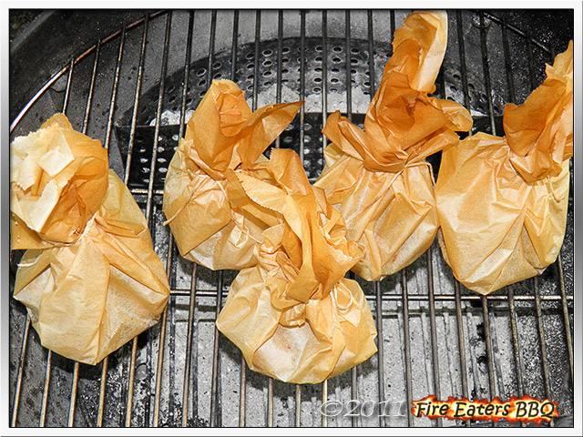 Bild - Kartoffelsäckchen im Kugelgrill